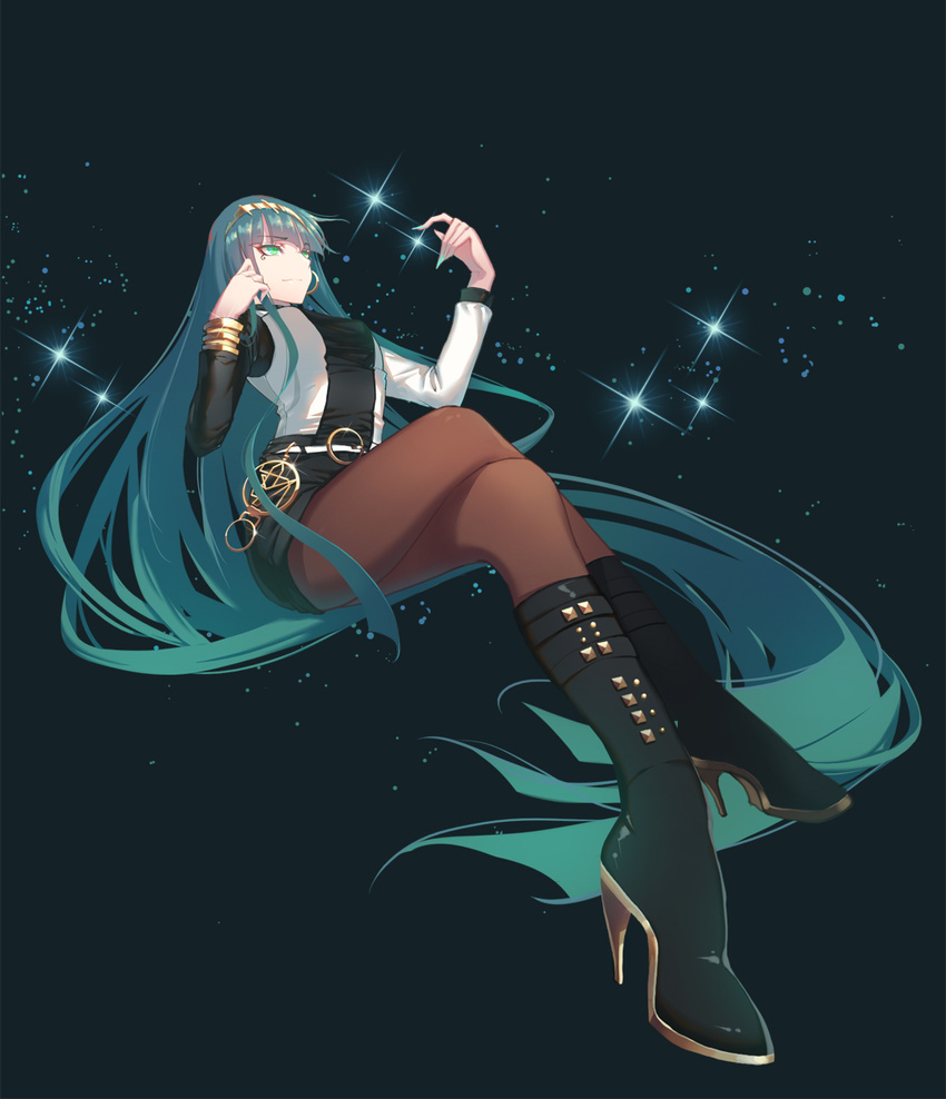 1girl bangs boots bracelet cleopatra_(fate/grand_order) closed_mouth commentary_request earrings fate/grand_order fate_(series) fingernails full_body green_eyes green_hair green_nails hairband high_heel_boots high_heels highres hoop_earrings invisible_chair jewelry legs_crossed long_fingernails long_hair nail_polish pantyhose shorts sitting solo sparkle very_long_hair xion32