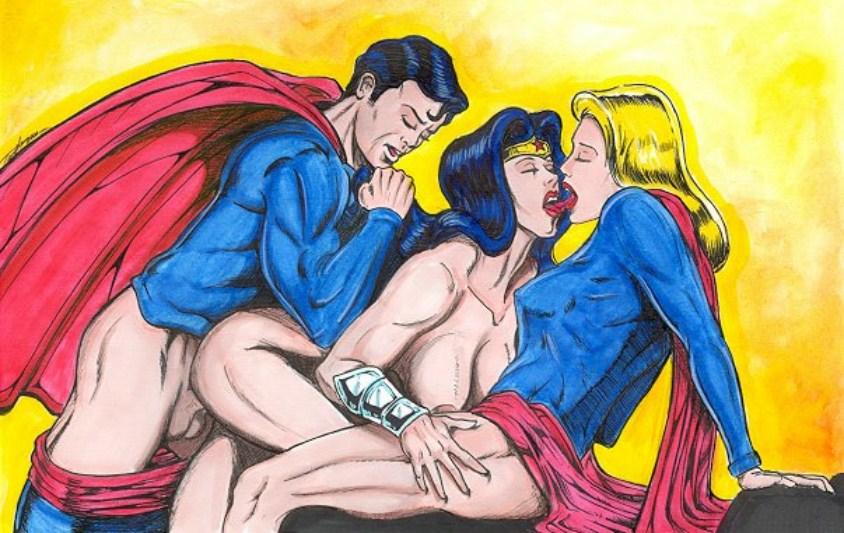 Latina superman and wonder woman fucking