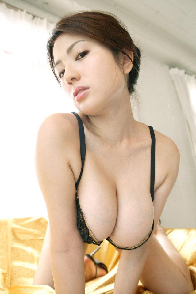 корейские телки с большой грудью фото