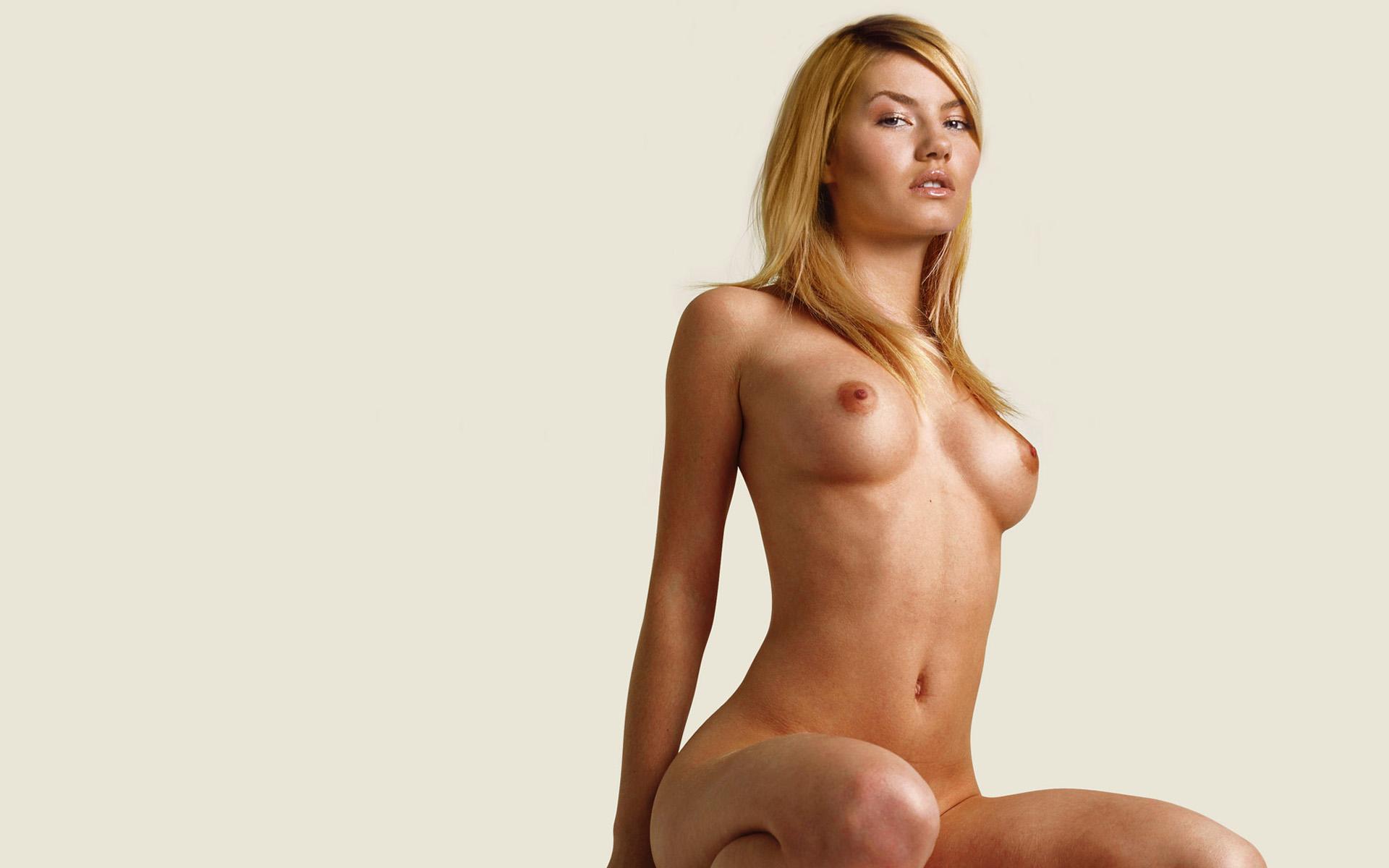 Fake elisha cuthbert nude pics