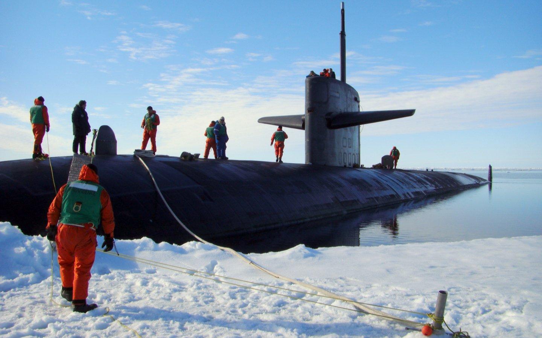 подводная лодка на северном полюсе