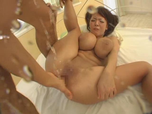 porno-video-bolshie-siski-hitomi-tanaki