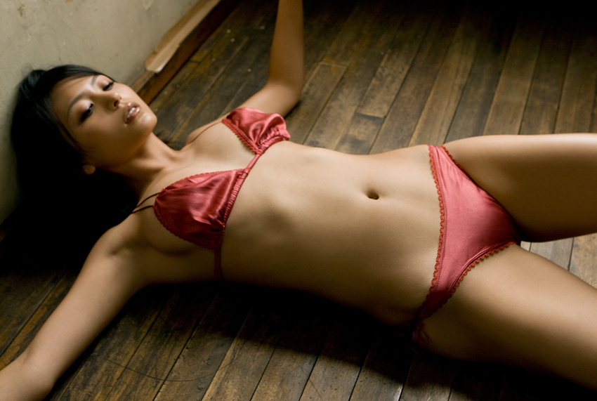 bw nude tits