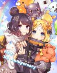 >_o 2girls abigail_williams_(fate/grand_order) absurdres animal anniversary balloon bangs black_bow black_hat black_jacket blonde_hair blue_eyes blue_sky blush bow closed_mouth cloud commentary_request copyright_name day fate/grand_order fate_(series) fingernails fou_(fate/grand_order) grey_hoodie hair_bow hand_on_another's_shoulder hand_up hat heart hi_(wshw5728) highres hood hood_down hoodie jacket katsushika_hokusai_(fate/grand_order) long_hair long_sleeves looking_at_viewer medjed multiple_girls object_hug octopus one_eye_closed orange_bow outdoors parted_bangs parted_lips polka_dot polka_dot_bow purple_hair rainbow sky sleeves_past_fingers sleeves_past_wrists smile stuffed_animal stuffed_toy teddy_bear v